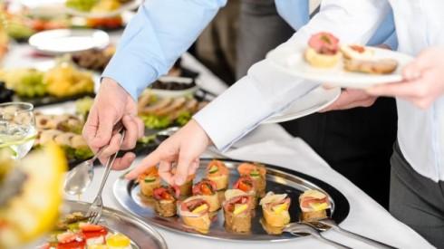 Văn hóa thưởng thức tiệc Buffet không khó để học hỏi