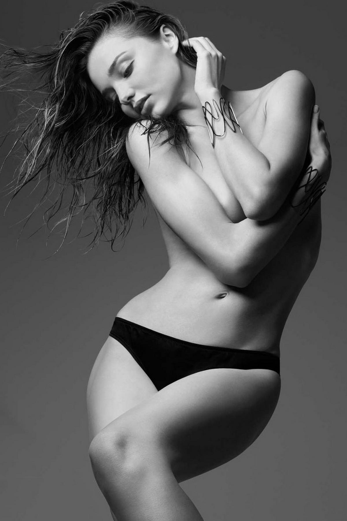 Người mẫu Miranda Kerr đầy nóng bỏng trong LOVE Advent