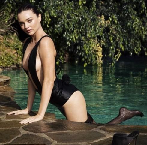 """Miranda Kerr gợi cảm trong Video """"Ngày thứ 9"""" của lịch điện tử LOVE advent"""