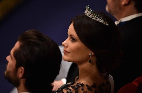 Công chúa Sofia mang chiếc vương miện được thiết kế riêng cho mình trong lễ cưới của cô và Hoàng tử Carl Phillip vào tháng 6. Đây là lần thứ 2 cô mang chiếc vương miện trong buổi tiệc mừng của Hoàng gia