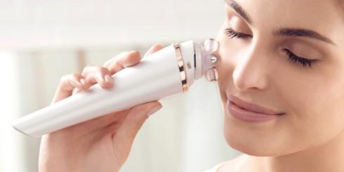 Nếu sở hữu làn da khô ráp, hay đang bị mụn tấn công, bạn nên hạn chế sử dụng máy rửa mặt, tránh trường hợp làm trầy xước vùng da bị mụn và khiến da càng khô thêm
