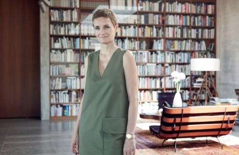 Chủ nhân Karen Boros là một nhà sưu tầm nghệ thuật có tiếng và cũng là bạn thân của nhiều nghệ sĩ Âu châu đương đại nổi tiếng.