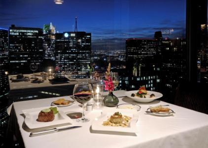 Đến với nhà hàng Signature, tầng 23 để trải nghiệm thực đơn đặc sắc của bếp trưởng với chủ đề Năm Mới trong tháng 1.