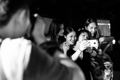 NKT Li Lam cùng người mẫu trong đêm diễn