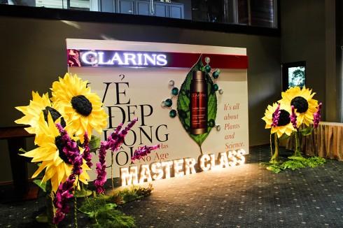 """Sự kiện """"Vẻ đẹp không tuổi"""" của Clarins tại Gem Center"""
