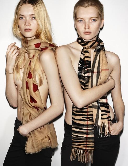 Hai người mẫu mới May and Ruth Bell  trong bộ ảnh Xuân Hà 2016 của Burberry