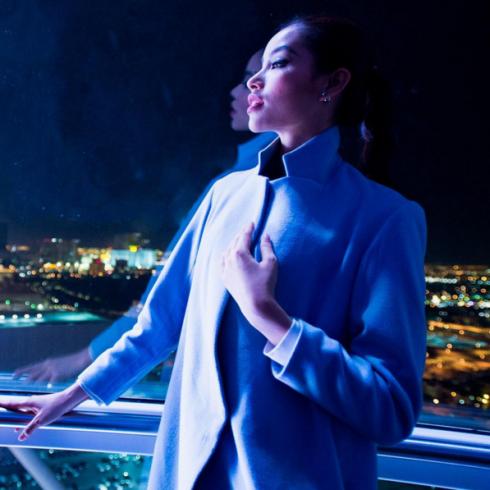 Một bức ảnh nghệ thuật khác của Phạm Hương trên Instagram của Miss Universe 2015