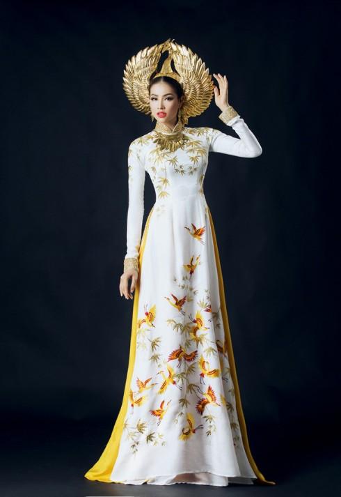 Xuýt xoa trước quốc phục mạ vàng của Phạm Hương tại Hoa hậu Hoàn vũ 2015