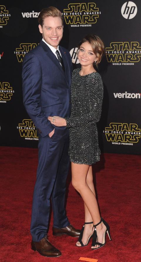 Dominic Sherwood và Sarah Hyland
