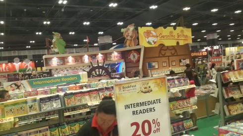 Một góc khác của khu hội chợ sách