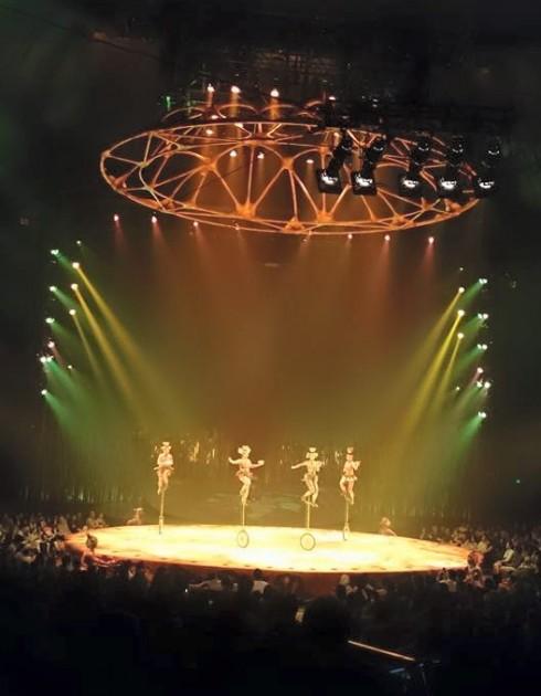 Giá mà Việt Nam cũng có một show biểu diễn đẳng cấp như thế này.