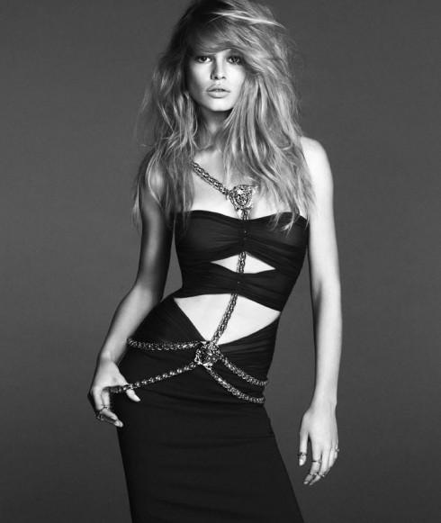 Anna Ewers trong chiến dịch xuân 2014 của Versace