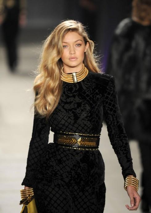 Gigi Hadid giành vị trí á quân cho cuộc bình chọn Người mẫu của năm từ các chuyên gia thời trang, chỉ sau Anna Ewers