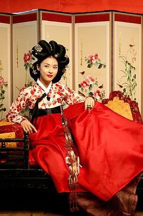 Mỹ nhân Hàn Quốc nổi bật với đôi môi căng mọng