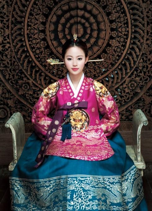 Phụ nữ Hàn từ lâu đã biết chăm chút, nuôi dưỡng làn da quanh năm dù là Đông hay Hè.