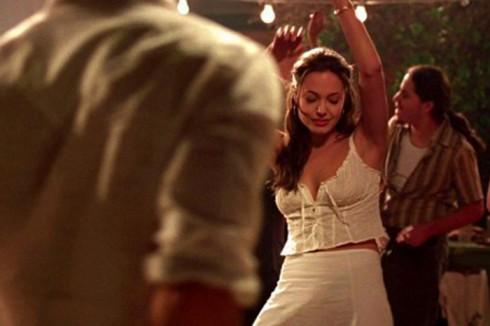 thời trang trong phim Mr & Mrs Smith 1(1) - elle vietnam