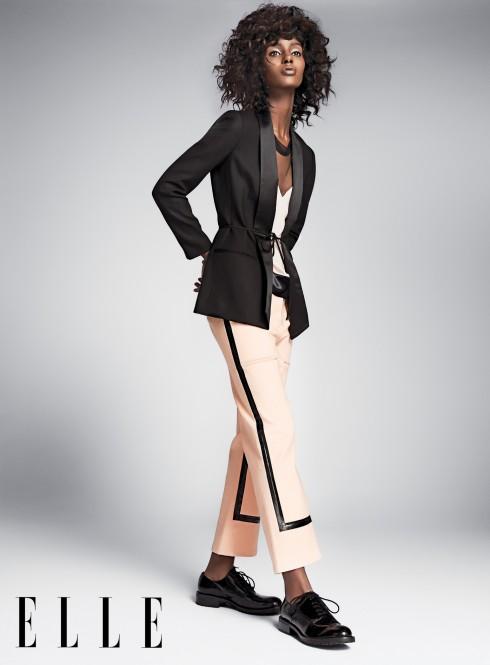 Áo và quần VERSACE Áo blazer DAGMAR Giày DKNY