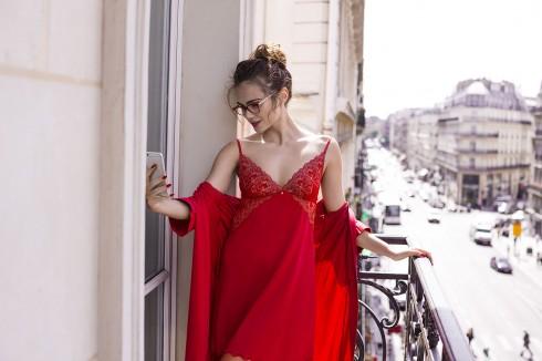 Nội y đỏ giúp phụ nữ tự tin hơn
