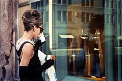 Countdown 10 thương hiệu quần áo cao cấp nhất Paris 09 ELLEVN