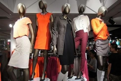 Countdown 10 thương hiệu quần áo cao cấp nhất Paris 10 ELLEVN