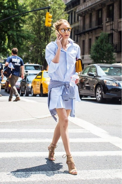 Shirt-dress còn được xem là một biến thể thú vị chịu ảnh hưởng của phong cách oversized.