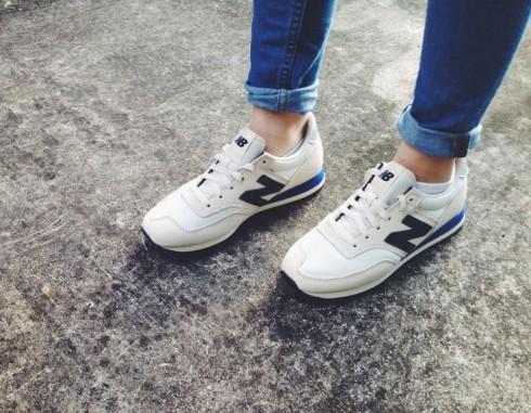 Kiểu dáng của đôi giày thể thao New Balance rất dễ phối hợp với nhiều loại trang phục