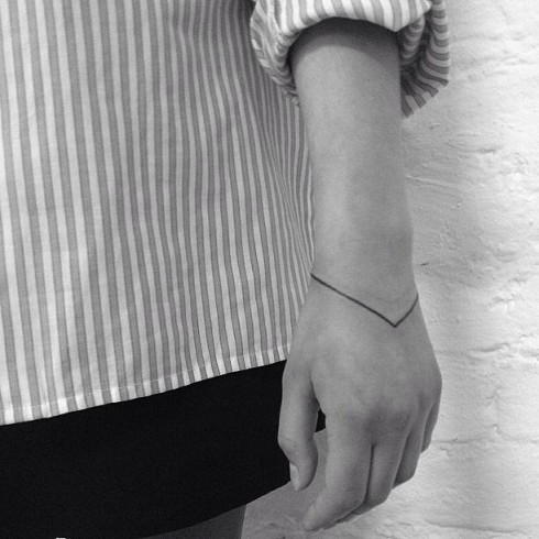 hình xăm cổ tay