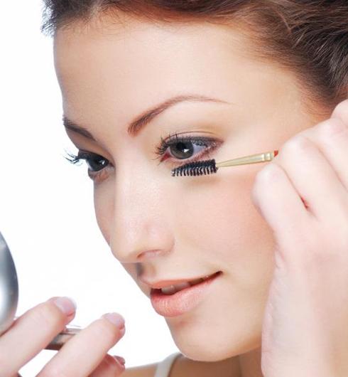Mascara-tips-for-Bottom-Eyelashes-2