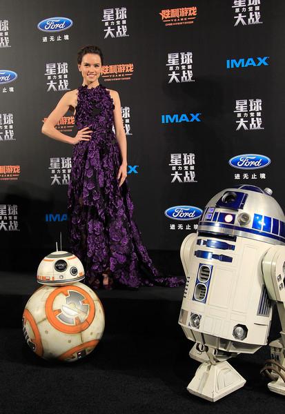 Đầm: Jason Wu Tại buổi công chiếu Star Wars ngày 27/12/2015 (Thượng Hải, Trung Quốc)