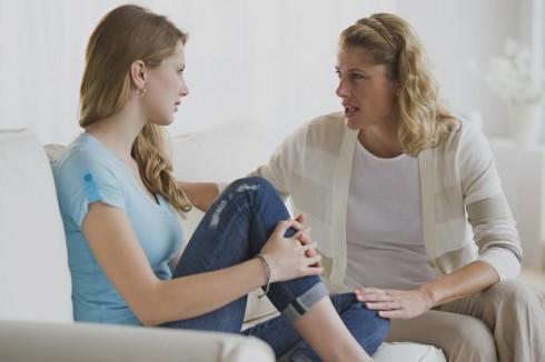 Mẹ và con gái không phải lúc nào cũng hiểu rõ về nhau vì sự khác biệt giữa hai thế hệ
