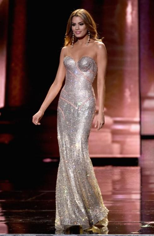 Trang phục dạ hội của được bình chọn là 4 trang phục đẹp nhất