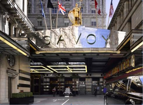 Một thương vụ mang tính chiến lược để tạo vị thế hàng đầu       thế giới trong phân khúc khách sạn hạng sang.