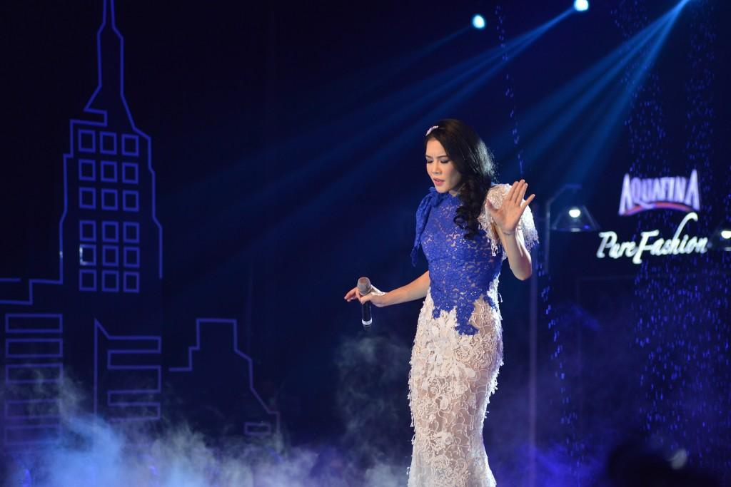Ca sĩ Thu Phương trình diễn trong đêm Chung kết