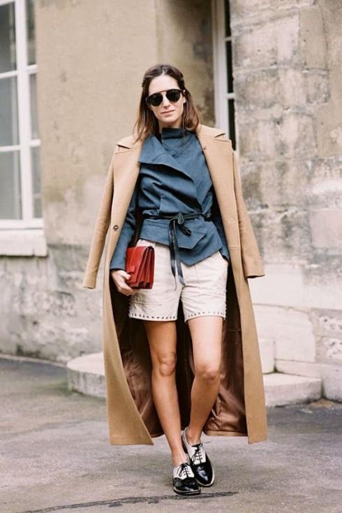 quần shorts rất hợp với các loại áo khoác, kể cả là áo khoác dài.