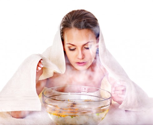 Xông hơi cho da mặt là một bước trong liệu trình chăm sóc da
