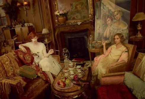 Khi đôi vợ chồng chuyển đến Paris sống, khao khát được là chính mình của Lili đã sẵn sàng dần dần được bộc lộ bản thân ra bên ngoài.