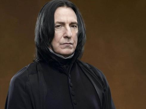Alan Rickman, hay còn được biết đến như thầy Snape trong loạt phim Harry Potter lừng danh vừa qua đời vào sáng ngày 14/1/2016 vì chứng bệnh ung thư, để lại nỗi niềm xót thương vô hạn trong lòng của hàng triệu khán giả hâm mộ