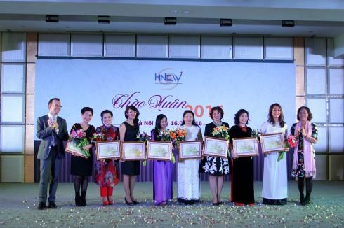 7.Lễ trao giải khen thưởng những hội viên có nhiều đóng góp tích cực cho hoạt động của HNEW năm 2015.