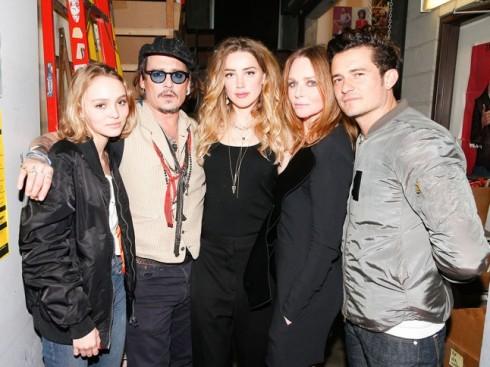 LiLy cùng bố cô - Johnny Depp, Amber Heard, Stella McCartney và Orlando Bloom tạ bữa tiệc thời trang của Stella vào tháng 1/2016.