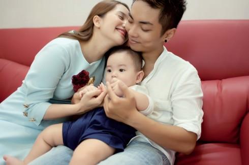 Sự xuất hiện của cậu bé chính là lý do Khánh Thi - Phan Hiển công khai mối quan hệ của mình và rồi nhận được sự ủng hộ nhiệt liệt từ người hâm mộ.