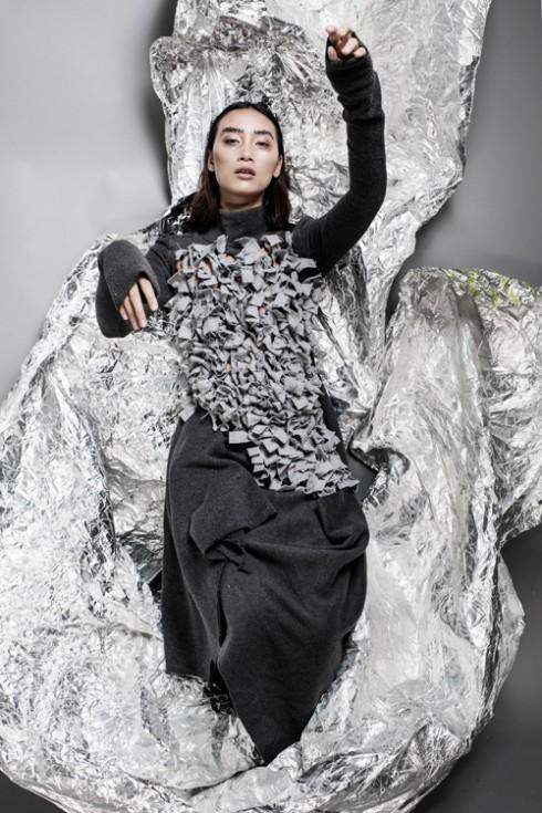 Váy suông họa tiết đính nổi 3D đầy ngẫu hứng