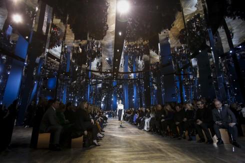 Sân khấu của Dior tại Paris Couture Week