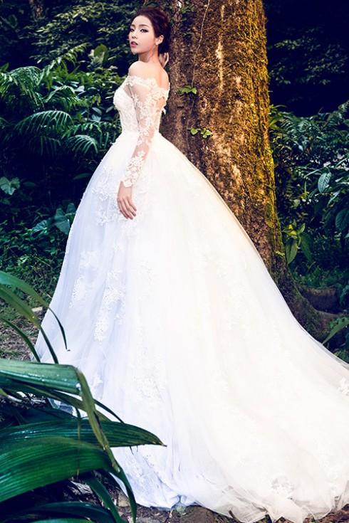 Hoa hậu Kỳ Duyên lung linh trong váy cưới ở Ba Vì 04 ELLE VN