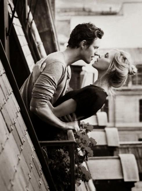 Đàn ông yêu thật lòng sẽ chịu khó để ý đến cảm xúc của bạn