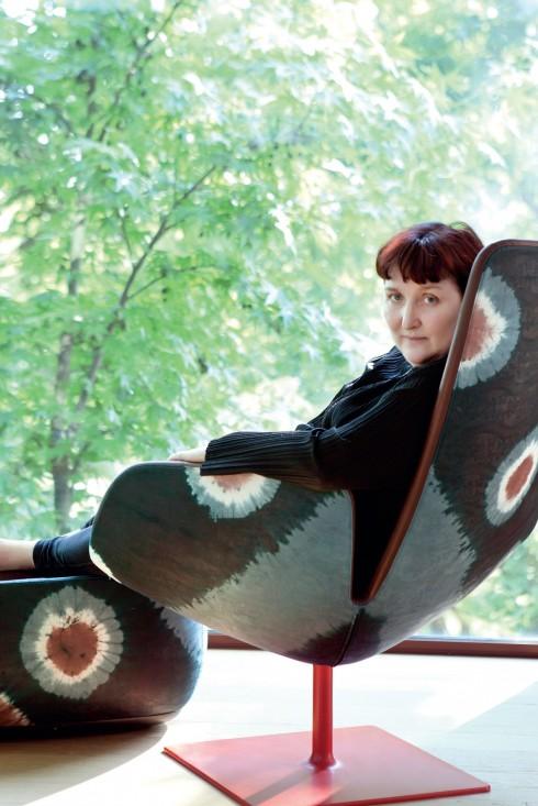Sự sáng tạo của Patrizia Moroso đến từ khả năng nhận thức và tầm nhìn của cô trước thế giới văn hóa, con người. Và điều đó với cô cũng đơn giản như việc ngồi cạnh cửa sổ và nhìn ra khu rừng.