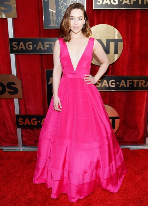 sao-mac-dep-tham-do-sag-awards-emilia-clarke-dior