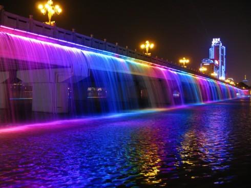 Cầu Banpo với hiệu ứng thác cầu vồng tại Seoul