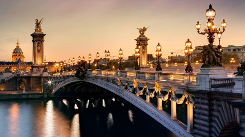Cầu The Pont Alexandre III tại Pháp