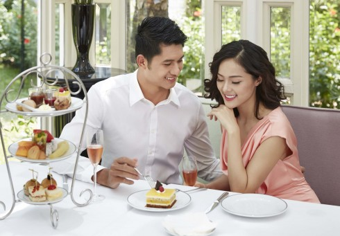 Chia sẻ những khoảnh khắc ngọt ngào với nhiều chương trình hấp dẫn tại Metropole Hà Nội.