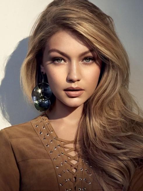 Cô nổi tiếng gần đây với vai trò là người mẫu